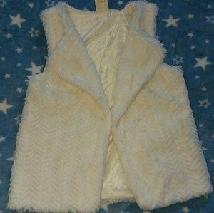 Girls white furry vest xs 4-5